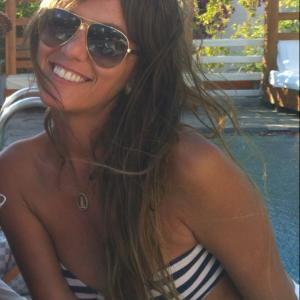 Vai para Mykonos? Você tem que conhecer a brasileira Erica Chrysocherakis