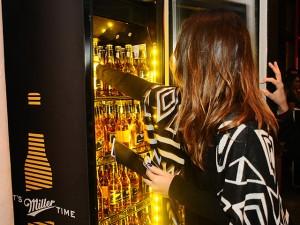 Os pivôs no espaço da Miller na semana de moda paulistana. Confira!