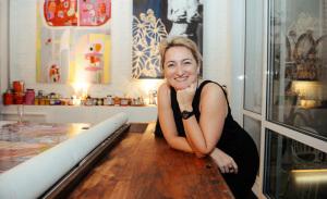 Invasão artística no apartamento de Isabelle Ribot em SP