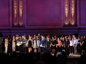 Artistas se reúnem no Carnegie Hall para primeira noite de tributo a Bowie