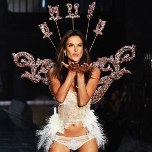 Victoria's Secret anuncia reestruturação e demissões