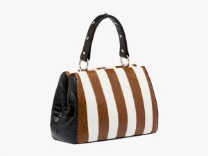 Desejo do Dia: a nova bolsa Frame, da Prada, com um toque de vanguarda