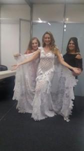 Luana Piovani volta a ser noiva em desfile de Martha Medeiros