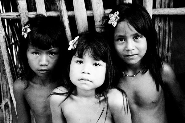 36fd30c43a5 Mostra tem retratos P B da quase extinta etnia Krahô no Tocantins