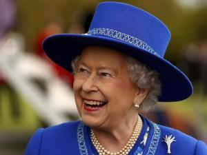 Vídeo com Elizabeth II, príncipe Harry, Barack e Michelle Obama causa comoção