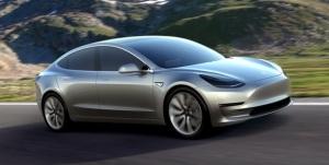 Novo modelo da Tesla Motors vende 180 mil unidades em menos de 24 horas