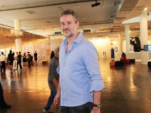 Dan Stulbach fala sobre bastidores da saída do 'CQC', filhos e mais!