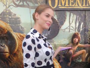 Alinne Moraes, uma cobra como Scarlett Johansson. À entrevista!