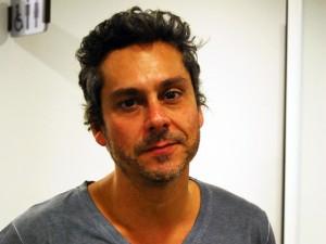 Alexandre Nero assina coleção de camisetas para marca paulista