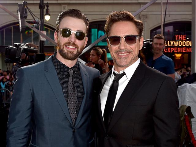 Robert Downey Jr. e Chris Evans na première de Capitão América