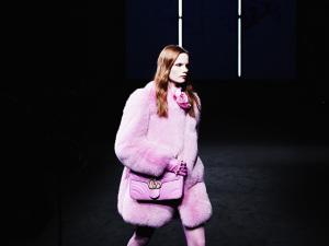 Gucci vai unir desfiles feminino e masculino em uma única apresentação