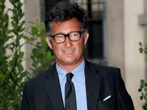 Estilista italiano é condenado por roubo de mostras de estampas da Hermès