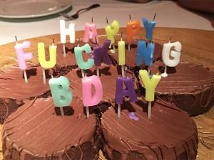 Marc Jacobs: aniversário em point carioca com bolo do tipo babado