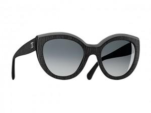 064fb9efb1185 Desejo do Dia  óculos de sol Chanel com armação que remete ao tweed