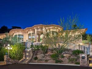 Um tour pela mansão de tirar o fôlego de Alicia Keys no deserto do Arizona