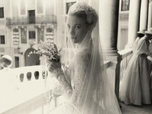 Os 60 anos do casamento de Grace Kelly e do príncipe Rainier em fotos nunca vistas