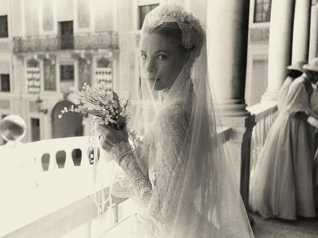 Grace Kelly e seu vestido de noiva impecável, até 60 anos depois..