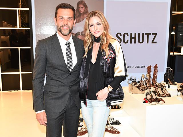 0057cde0f Schutz inaugura flagship em Los Angeles com Olivia Palermo e mais ...