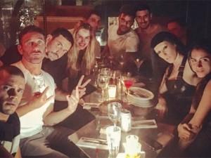 Eles não param! Tisci, Ricky Martin, Kate Moss e mais no Chez Oscar