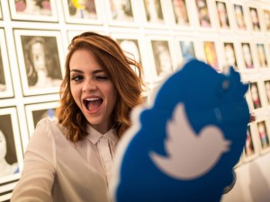 Com seus poucos caracteres, Twitter invade a semana de moda paulistana