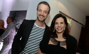 Jorge Ben Jor coloca Jackie de Botton e outras glamurettes para dançar em hotel no Rio