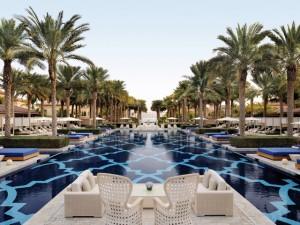 Meca do turismo ostentação, Dubai mostra seu lado mais discreto