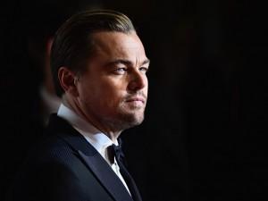 Leonardo DiCaprio é criticado por voar de jatinho particular poluente