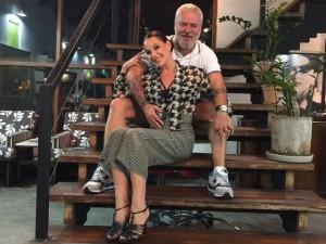 Carolina Ferraz dá rasante na Casa Mauro Freire, em São Paulo