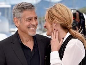 Julia Roberts e George Clooney são só sorrisos em Cannes