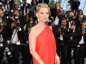 Namorado de Kate Moss pula da janela e vai para a reabilitação em Londres
