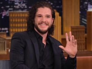 """Spoiler de """"Game of Thrones"""" poupa Kit Harington da cadeia"""