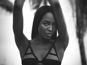 No dia de seu aniversário, imagens que mostram o poder de Naomi Campbell