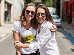 Manu Seve e Renata Thomé: conectando artistas a compradores por app