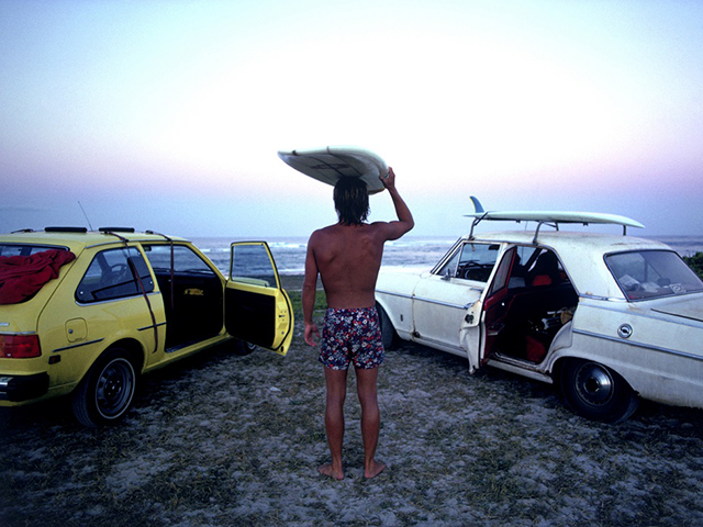 A história do surfe registrada pelas lentes de diversos insiders da área
