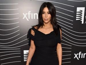 """Kim Kardashian promete """"selfies nua até a morte"""" em premiação"""