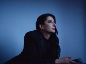 Marina Abramović vem ao Brasil para lançamento de documentário