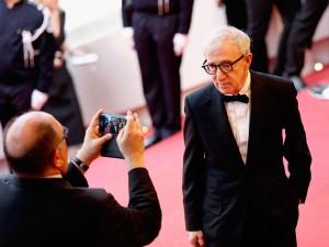 Woody Allen não escapa do passado em seus dias de Festival de Cannes