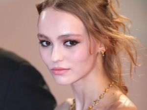 Adolescente Lily Rose Depp deu o que falar como Isadora Duncan em Cannes