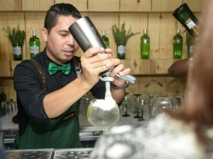 Marcos Felix vence a final brasileira do Diageo World Class 2016