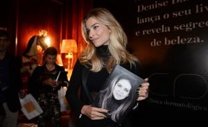 De Gianecchini a Mariana Ximenes em lançamento de livro no Copacabana Palace