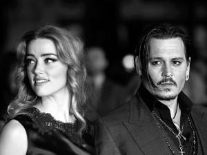 Ordem de restrição de Amber Heard contra Johnny Depp continua em vigor