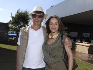 Alfredo e Miriam Khouri armam festão pelos 40 anos de casados
