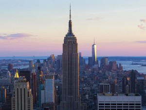 Donos do Empire State Building comemoram compra do LinkedIn