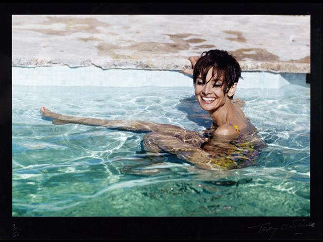 Fotografia de 1967 de Audrey Heoburn por Terry O'Neill será leiloada em Londres