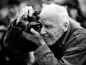 Icônico fotógrafo de moda Bill Cunningham morre aos 87 em NY