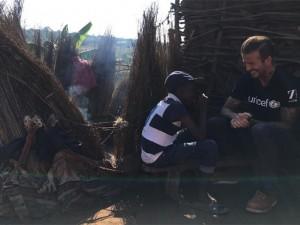 David Beckham se comove em visita humanitária à África