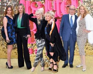"""Première de """"Absolutely Fabulous"""" atrai celebridades e o resultado é muita pose"""