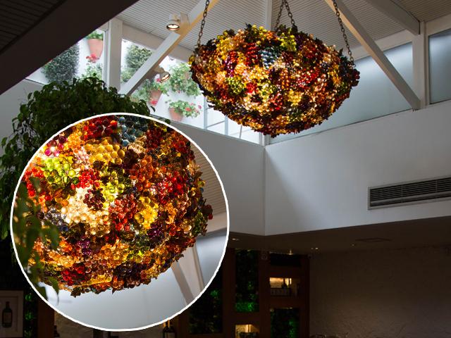 Detalhe da claraboia-instalação criada por Joana Vieira para o Piselli Jardins