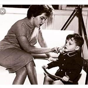 "Jayme Monjardim relembra 80 anos de sua mãe, Maysa: ""Amor eterno"""