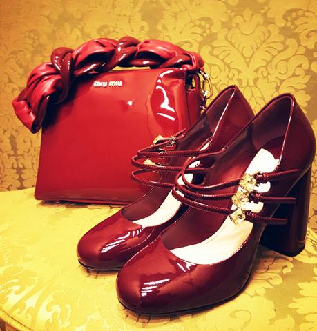 Sapato e bolsa Miu Miu no Shopping Cidade Jardim